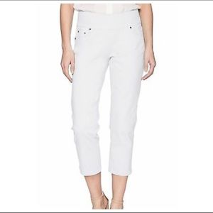 Jag Jeans Classic Fit Cropped White Pull On Pants
